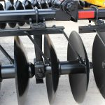 F15 Double Offset Tandem Disc Harrow bearing risers and smooth blades