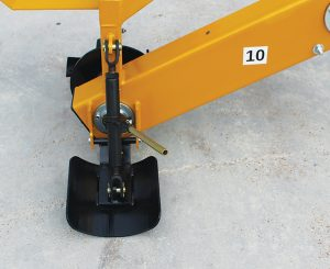 The concave skid shoe design with the quick-adjust ratchet allows the Ditcher to track better and form a more uniform ditch.