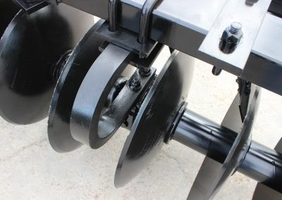 AMCO F15B Folding Disc Harrow - close up of discs from the top